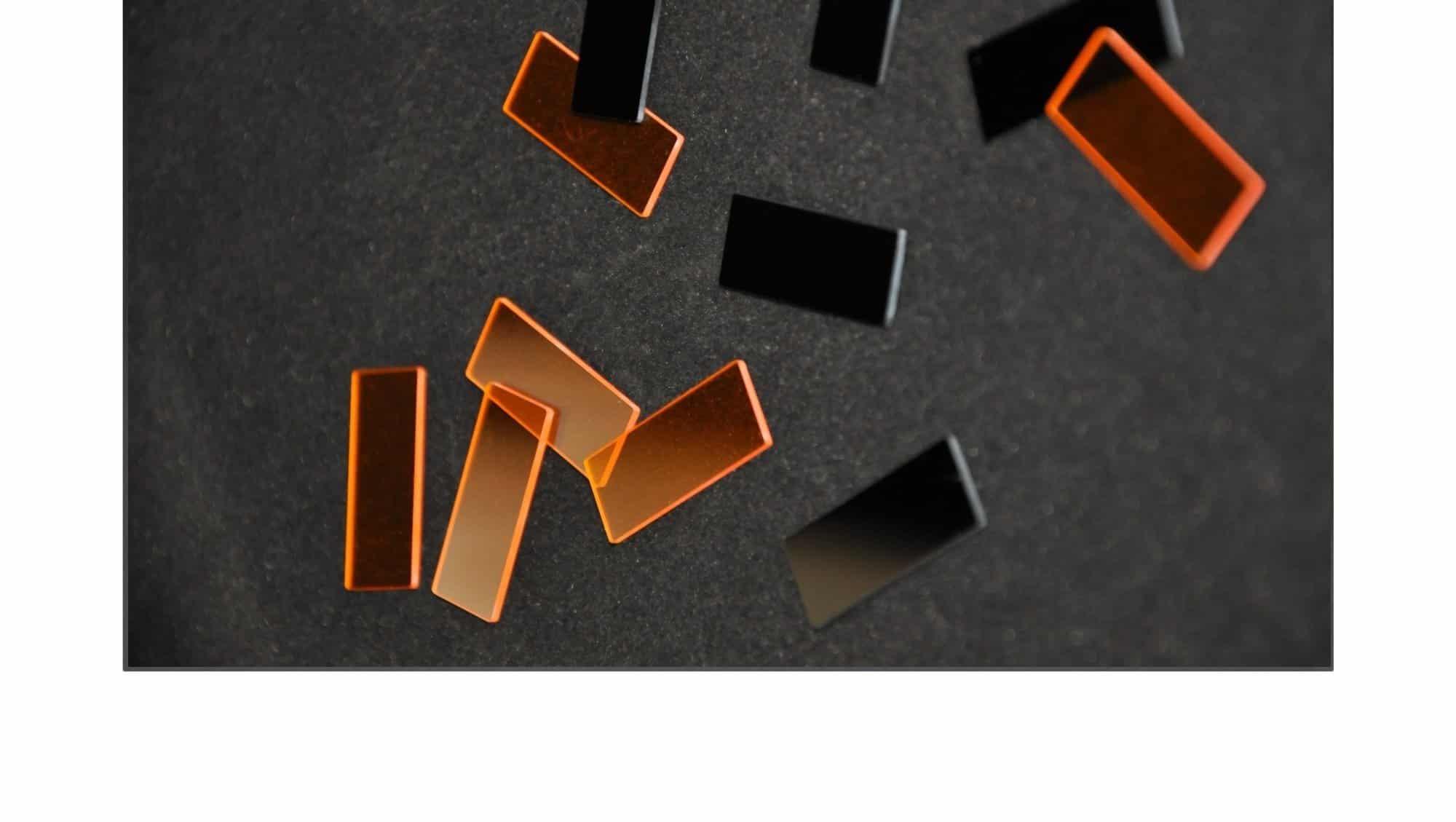 Filtres - OTéO Optics Etude et Réalisation Optique - Fabricant d'optiques de précision - Sic 4H - Silice - ZnS - Du prototype au récurrent - Miroir, hublot -prisme- sphere